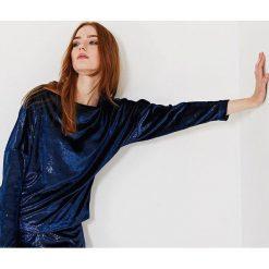 Simple - Bluzka. Szare bluzki asymetryczne Simple, z materiału, casualowe, z dekoltem w łódkę. W wyprzedaży za 129,90 zł.