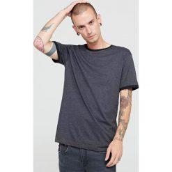 T-shirty męskie: T-shirt z kontrastowym obszyciem - Szary