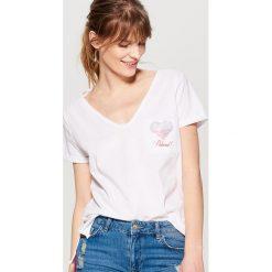 Koszulka mundialowa - Biały. Białe t-shirty damskie marki Mohito, m. W wyprzedaży za 29,99 zł.