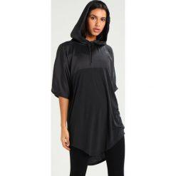 Ivy Park HOODED TEE Tshirt z nadrukiem black. Czarne topy sportowe damskie marki Strategia. Za 189,00 zł.