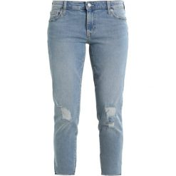 Boyfriendy damskie: GAP GIRLFRIEND DESTRUCTED Jeansy Straight Leg medium indigo