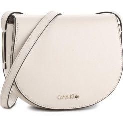Torebka CALVIN KLEIN BLACK LABEL - Frame Saddle Bag K60K603982 000. Czarne listonoszki damskie marki Calvin Klein Black Label. Za 449,00 zł.