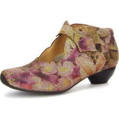 """Buty ślubne damskie: Skórzane czółenka """"Aida"""" w kolorze beżowym ze wzorem"""