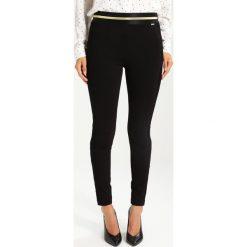 Liu Jo Jeans FUSEAUX  Legginsy black. Czarne jegginsy damskie marki bonprix, z podwyższonym stanem. W wyprzedaży za 382,85 zł.