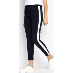 Spodnie dresowe damskie: Granatowo-Białe Spodnie Dresowe Two Colors