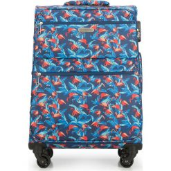 Walizka średnia 56-3S-542-FL. Brązowe walizki marki Wittchen, z nadrukiem, średnie. Za 249,00 zł.