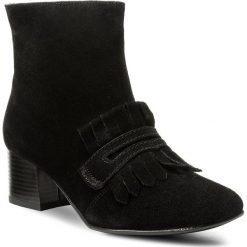 Botki LASOCKI - 70983-02 Czarny. Czarne buty zimowe damskie Lasocki, ze skóry ekologicznej, na obcasie. W wyprzedaży za 125,00 zł.
