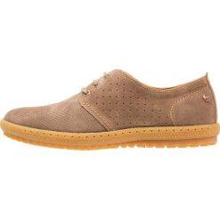 Panama Jack SIDNEY Sznurowane obuwie sportowe taupe. Brązowe buty skate męskie Panama Jack, z materiału, na sznurówki. W wyprzedaży za 377,30 zł.