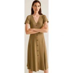 Mango - Sukienka Vescarei. Brązowe sukienki na komunię Mango, na co dzień, l, z elastanu, casualowe, midi, rozkloszowane. Za 139,90 zł.
