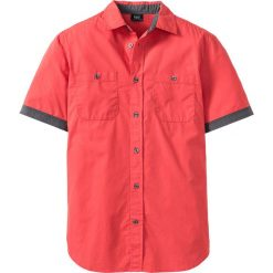 Koszula z krótkim rękawem bonprix koralowy. Czerwone koszule męskie na spinki bonprix, l, z kontrastowym kołnierzykiem, z krótkim rękawem. Za 49,99 zł.