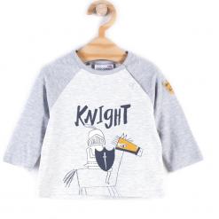 Koszulka. Szare t-shirty chłopięce z długim rękawem KNIGHT, z aplikacjami, z bawełny. Za 19,90 zł.
