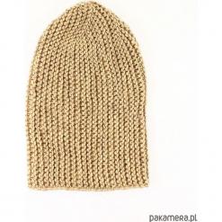 Beżowa długa czapka robiona na drutach. Brązowe czapki zimowe damskie Pakamera, z poliamidu. Za 86,00 zł.