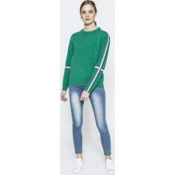 Swetry klasyczne damskie: Vero Moda - Sweter Damara