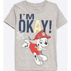 Name it - T-shirt dziecięcy 80-104 cm. Szare t-shirty chłopięce z nadrukiem Name it, s, z bawełny, z okrągłym kołnierzem. W wyprzedaży za 39,90 zł.