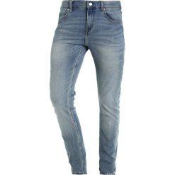 Cheap Monday TIGHT Jeansy Slim Fit wasteland. Niebieskie rurki męskie marki Tiffosi. W wyprzedaży za 199,20 zł.