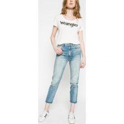 Wrangler - Jeansy Retro. Niebieskie boyfriendy damskie Wrangler, z podwyższonym stanem. W wyprzedaży za 249,90 zł.