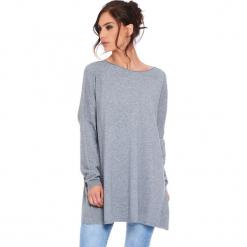 """Sweter """"Odile"""" w kolorze szarym. Szare swetry klasyczne damskie marki Cosy Winter, s, z okrągłym kołnierzem. W wyprzedaży za 181,95 zł."""