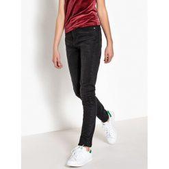 Jeansy mom 10-16 lat. Szare spodnie chłopięce La Redoute Collections, z bawełny, z standardowym stanem. Za 95,72 zł.