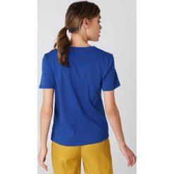 NA-KD Basic T-shirt basic - Blue. Różowe t-shirty damskie marki NA-KD Basic, z bawełny. W wyprzedaży za 26,48 zł.