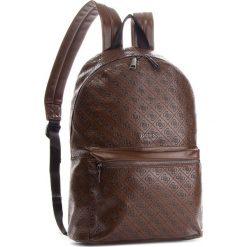 Plecak GUESS - HM6471 POL82 BRO. Brązowe plecaki męskie Guess, z aplikacjami, ze skóry ekologicznej. Za 629,00 zł.