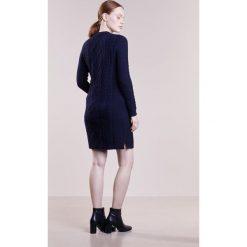 Polo Ralph Lauren ARAN Sukienka dzianinowa navy. Czarne sukienki dzianinowe marki Polo Ralph Lauren, polo. W wyprzedaży za 755,40 zł.