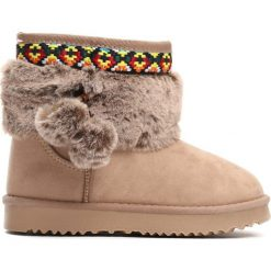 Beżowe Śniegowce Alps. Brązowe kozaki dziewczęce marki Born2be, z materiału, z okrągłym noskiem, na platformie. Za 59,99 zł.