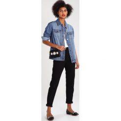 Bomberki damskie: JDY JDYASHLEY  Kurtka jeansowa light blue denim