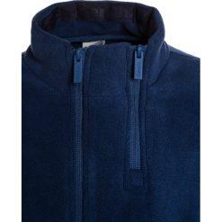 Bench FUNNEL Kurtka z polaru navy blue. Niebieskie kurtki chłopięce przeciwdeszczowe Bench, z materiału. W wyprzedaży za 125,40 zł.