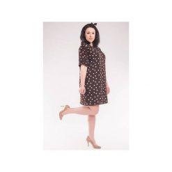 Sukienka/tunika w groszki z paskiem SL2143SP Size Plus. Brązowe sukienki mini marki Soleil, w grochy, z krótkim rękawem, ołówkowe. Za 109,00 zł.