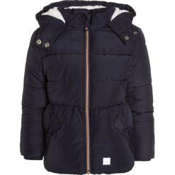 S.Oliver RED LABEL Płaszcz zimowy dark blue. Niebieskie kurtki chłopięce marki s.Oliver RED LABEL, na zimę, z materiału. W wyprzedaży za 195,30 zł.