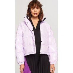 Pikowana kurtka - Fioletowy. Fioletowe kurtki damskie pikowane Reserved. Za 249,99 zł.