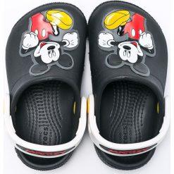 Crocs - Klapki dziecięce Disney Mickey Mouse. Czarne sandały chłopięce Crocs, z materiału. Za 149,90 zł.