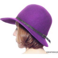 Kapelusz fuksja. Czerwone kapelusze damskie Pakamera, z wełny. Za 189,00 zł.