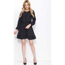 Sukienki: Czarna Sukienka z Falbankami i Wiązaniem przy Dekolcie