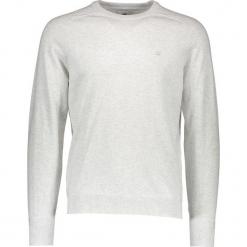 Sweter w kolorze jasnoszarym. Szare swetry klasyczne męskie marki Ben Sherman, m, z haftami, z bawełny, z okrągłym kołnierzem. W wyprzedaży za 130,95 zł.