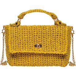 PLECIONA TORBA NA RAMIĘ W STYLU JESSICA MERCEDES. Pomarańczowe torebki klasyczne damskie marki Top Secret. Za 59,99 zł.