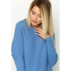 Niebieski Sweter Shapeless. Niebieskie swetry klasyczne damskie Born2be, m. Za 69,99 zł.