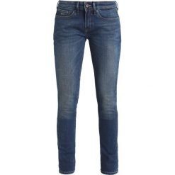 Denham SHARP Jeans Skinny Fit stone blue denim. Niebieskie boyfriendy damskie Denham. Za 629,00 zł.