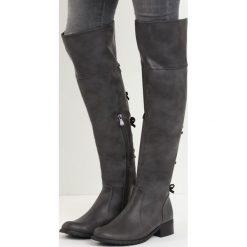 Szare Kozaki Underneath It All. Szare buty zimowe damskie marki Born2be, z materiału, z okrągłym noskiem, na obcasie. Za 79,99 zł.