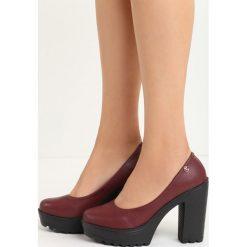 Bordowe Czółenka Airiness. Czerwone buty ślubne damskie marki QUECHUA, z gumy. Za 69,99 zł.