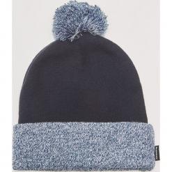 Dwukolorowa czapka z pomponem - Granatowy. Niebieskie czapki zimowe męskie House. Za 39,99 zł.