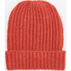 Czapka - Pomarańczo. Różowe czapki damskie Reserved. Za 49,99 zł.