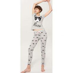 Piżamy damskie: Dwuczęściowa piżama z nadrukiem – Szary