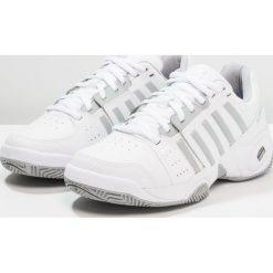 KSWISS ACCOMPLISH III Obuwie multicourt white/highrise. Białe buty do tenisu damskie K-SWISS. Za 459,00 zł.