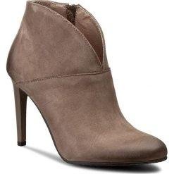 Botki CARINII - B3615 H28-000-PSK-A92. Brązowe buty zimowe damskie Carinii, z materiału, eleganckie, na obcasie. W wyprzedaży za 229,00 zł.