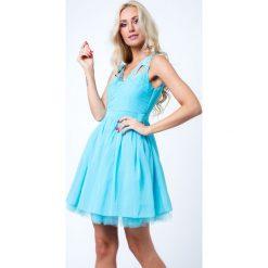 Sukienka z orginalnymi ramiączkami jasnoniebieska G5275. Niebieskie sukienki Fasardi, l. Za 79,00 zł.