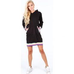 Sukienki: Oversizowa sukienka z kapturem czarna 4025