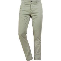 Rurki męskie: BOSS CASUAL SLIM Spodnie materiałowe khaki