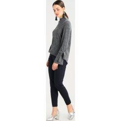 Swetry klasyczne damskie: YAS YASFLOSS FUNNELNECK TIE Sweter medium grey melange