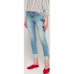 Only - Jeansy Carmen. Czarne jeansy damskie rurki marki ONLY, l, z materiału, z kapturem. W wyprzedaży za 129,90 zł.